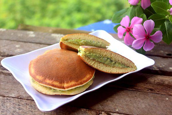 Cách làm bánh rán doremon nhân trà xanh matcha cực ngon