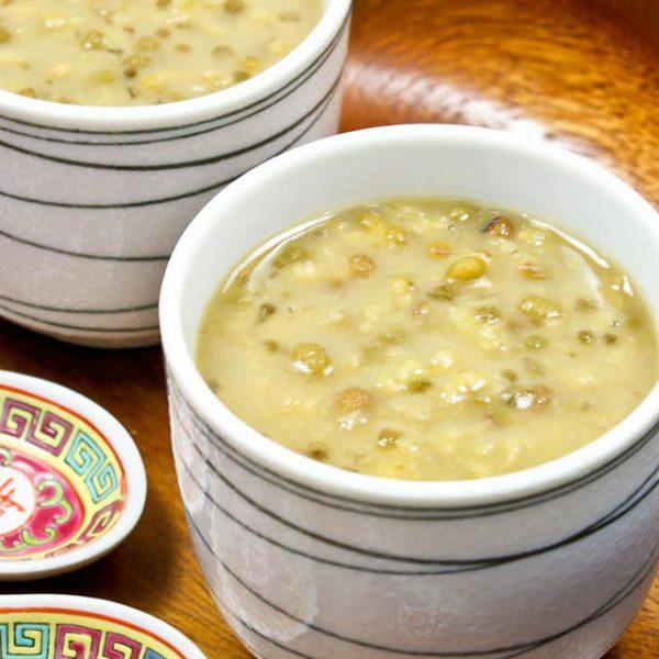 Cách làm chè đậu xanh nước cốt dừa