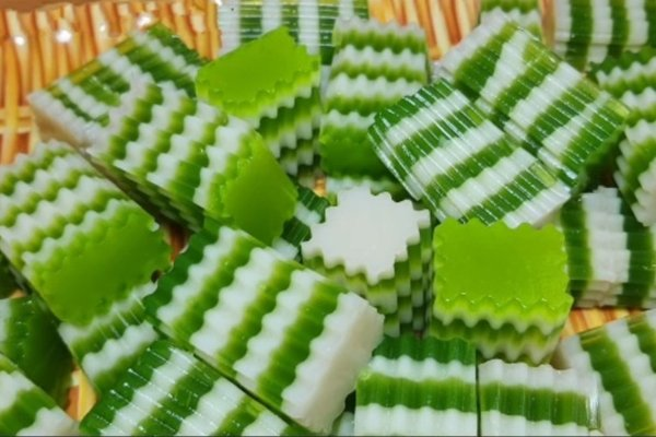 Thạch dừa lá dứa có mùi thơm đặc trưng rất hấp dẫn